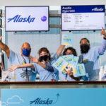 Американская авиакомпания поощряет вакцинировавшихся и штрафует отказывающихся от прививки сотрудников
